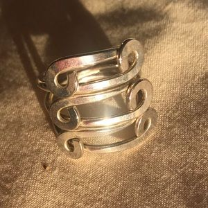 Jewelry - Mod silver ring Size 6